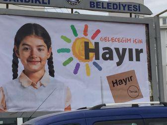 Sandıklı'da Chp'nin Referandum Afişlerine Saldırı