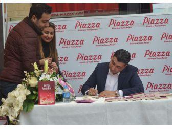 Şanlıurfalı Yazar Niyazi Kocadağ'dan Piazza'da İmza Günü