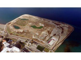 Deniz Üzerine Yapılan Golf Sahasına 1 Milyon Taş