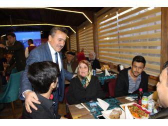 Başkan Tutal'dan Şehit Aileleri Onuruna Yemek