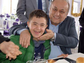 Ak Parti, 'Engelsiz Türkiye İçin Evet Yemeği' Düzenledi