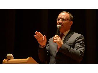 Adalet Bakanı Bozdağ: Kendileri Dışında Herkesi Demokrasi Düşmanı Gören Zavallılar Var