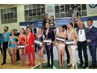 Büyükşehir'in Dansçıları Bursa'dan Dereceyle Döndü
