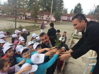 Atatürk İlkokulunda Orman Haftası Kutlama Etkinliği