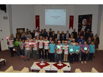"""Sinop'ta 61 Kişiye """"Okul Geçit Görevlisi"""" Belgesi"""