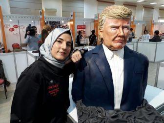 Trump Ve Merkel'in Pastalarını Yaptı