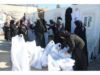 İnsan Ve Medeniyet Hareketinden Suriyeli Kadınlara İnsani Yardım