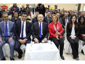 """Kılıçdaroğlu: """"Ben Bu Ülkenin Umudu Olarak Görürüm Gençleri"""""""