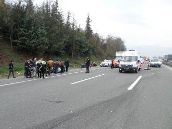 Tem Otoyolunda Motor Kazası: 1 Ölü, 2 Yaralı