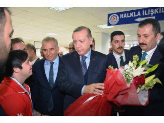 Cumhurbaşkanı'ndan Şampiyon Sporculara Ödül