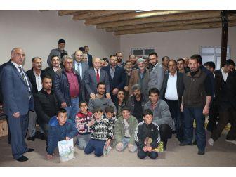 Başkan Orhan, Hafta Sonu 18 Mahalleyi Gezdi