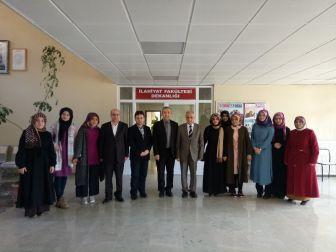 Öğrenci Toplulukları Suriye İçin Yardım Kampanyası Düzenledi