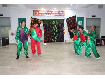 Kumluca'da Sebze Ve Meyveyi Anlatan Tiyatro Oyunu Sergilendi