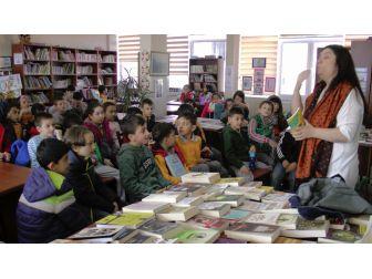 Minik Öğrenciler Öykü Yazarını Tanıdılar