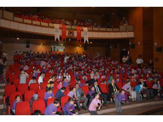 Başkan Özakcan, Çocuklarla Birlikte Eğlendi