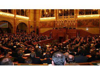 Macaristan'dan Ab'ye 'Ulusal Alana Müdahale' Tepkisi