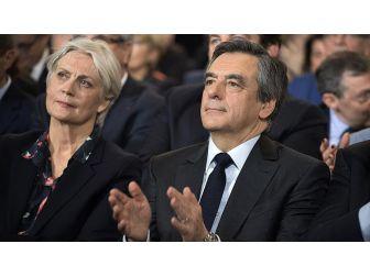 Fransa Cumhurbaşkanı Adayının Eşine 'Yolsuzluk' Davası