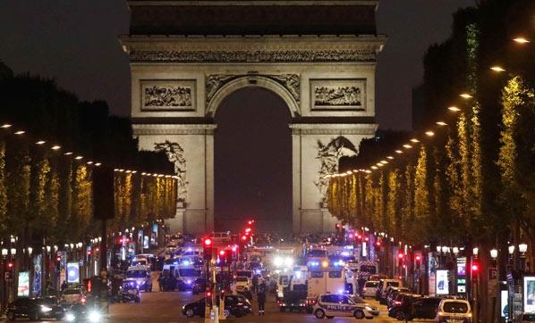 Paris Saldırısını Deaş Üstlendi