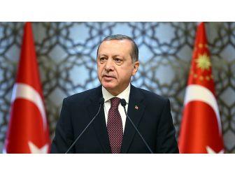 Cumhurbaşkanı Recep Tayyip Erdoğan, 81 İlden Gelen Gençleri Kabul Etti
