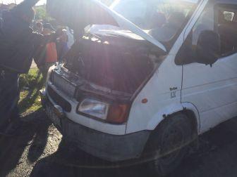 Tekirdağ, Malkara'da Seyir Halindeki Minibüs Alev Aldı