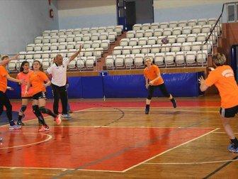Bayanlar Hentbol Süper Lig'de Şampiyon Kastamonu Belediyespor