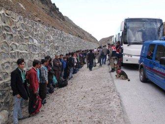 Erzincan, Refahiye'de Yabancı Uyruklu 113 Kişi Yakalandı