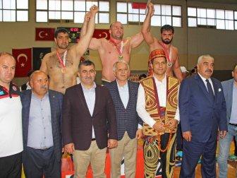 Adana, Kozan'da Güreş Festivali ve Zeynep Dizdar Konseri