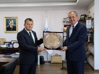 Bosna Hersek İstanbul Başkonsolosu Began Muhic, Başkan Işık'ı Ziyaret Etti