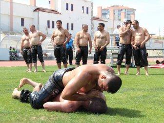 Karaman'da 2. Yağlı Pehlivan Güreşleri Yapıldı