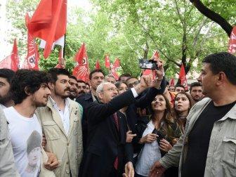 CHP Gençlik Kollarından Anıtkabir'e 19 Mayıs Yürüyüşü