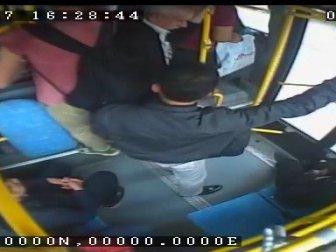 Gaziantep'te Halk Otobüslerindeki Yankesicileri Güvenlik Kameraları Ortaya Çıkardı