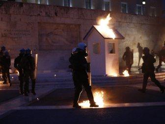 Yunanistan'da Meclis Önünde çatışma