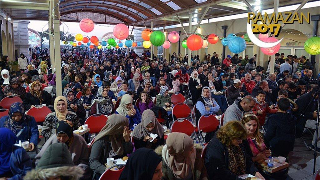 Avustralya'da dev iftar etkinliği