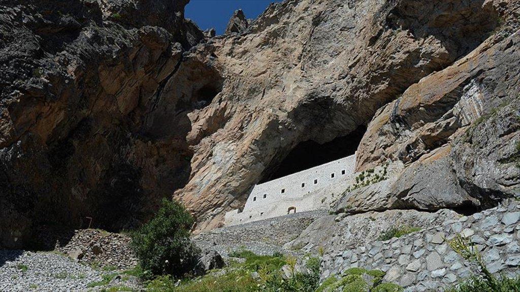 Şebinkarahisar'da 'Kayaya Oyma Manastır' Turistleri Bekliyor