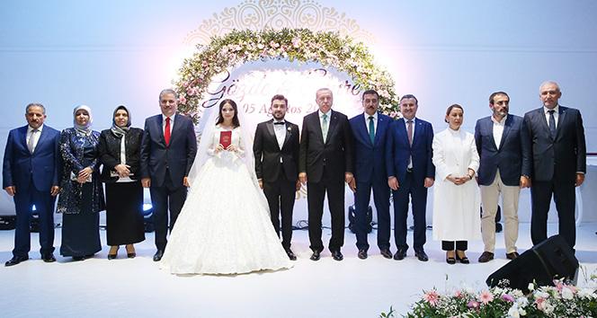Cumhurbaşkanı nikah şahidi oldu