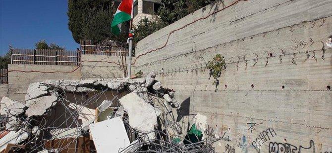 İsrail Filistinlilere Ait Binayı bakın hangi gerekçeyle yıktı?
