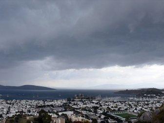 Meteorolojiden kuvvetli yağış ve fırtına uyarısı! İşte Kırmızı Alarm verilen İller