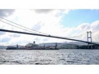 Dünyanın En Büyük İnşaat Gemisi 3. Kez İstanbul Boğazı'ndan Geçiyor