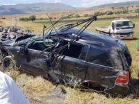 Bingöl'de Otomobil Şarampole Yuvarlandı : Almanya ve Gürcistan Uyruklu 4 Yaralı