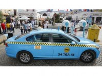 Sultanbeyli'nin 'Kırmızı Taksileri' Turkuaza Dönüştü