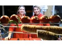 'Kokoreççi Kız Kardeşler'in Lezzet Mesaisi