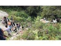 Bartın'da Yolcu Minibüsü Şarampole Devrildi: 3 Ölü, 19 Yaralı