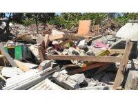 Endonezya'daki Depremlerde 506 Kişi Öldü