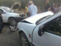 Malatya'da İki Otomobil Kafa Kafaya Çarpıştı: 5 Yaralı
