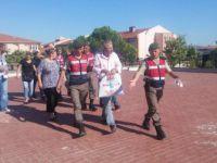 Balıkesir, Ayvalık'ta 20 Mülteci ve 3 Organizatör Yakalandı