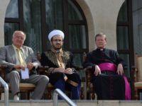 Avusturya'da ''Barış İçinde Birlikte Yaşam İçin El Ele'' Gösterisi