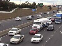 Cezanın böylesi Avustralya'da 'Uslanmaz' Sürücülerin Araçları Eziliyor
