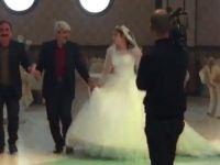 68 yaşındaki '4 eşli' muhtar 19 yaşındaki genç kadınla düğün yaptı