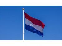 Hollanda'da Başörtülü Adaya Irkçı Saldırı