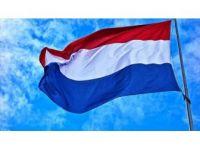 Hollanda Cami Yapılacak Alana Haç Dikenleri Yargılamayacak